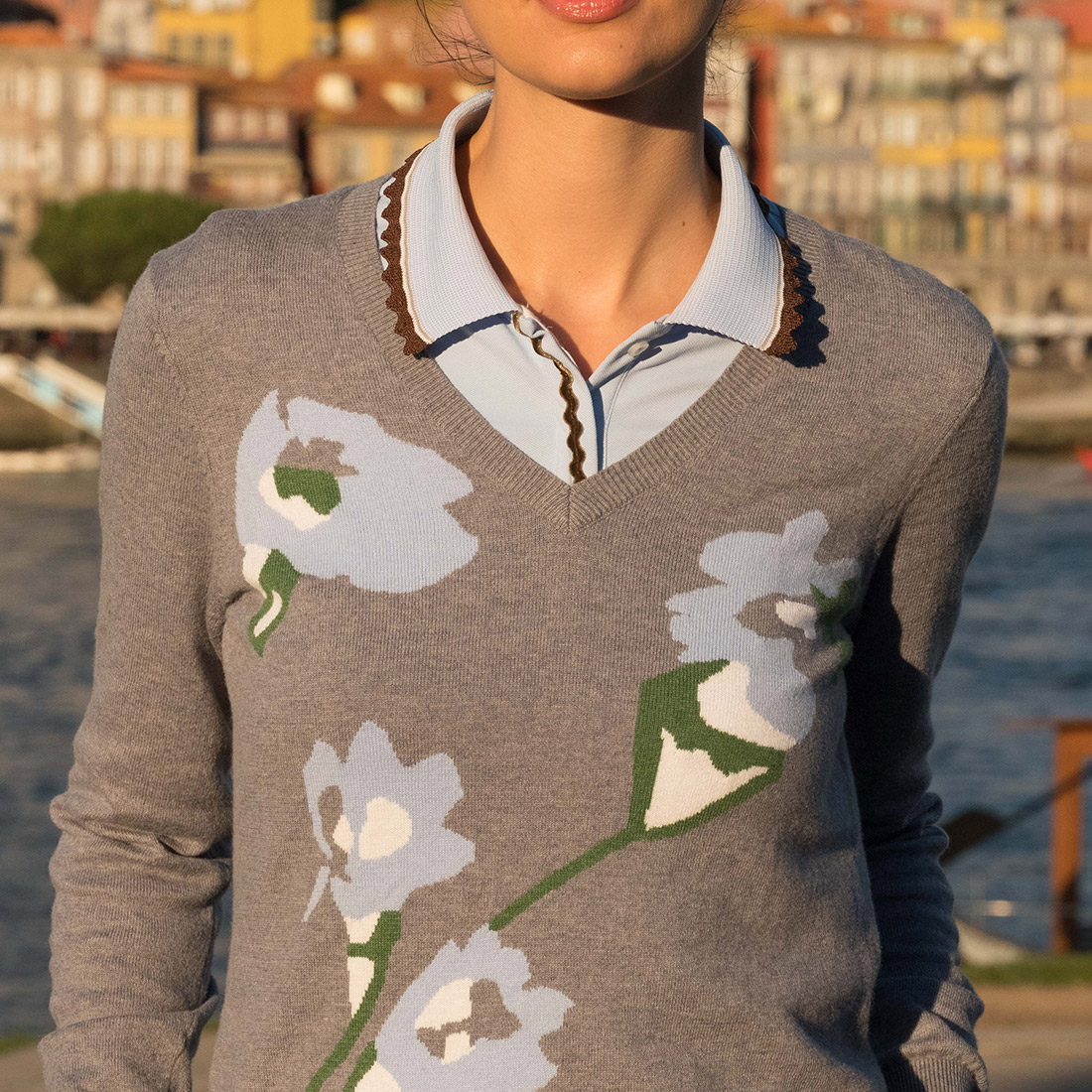 Ladies' V-neck cotton/cashmere pullover with Cold Protection