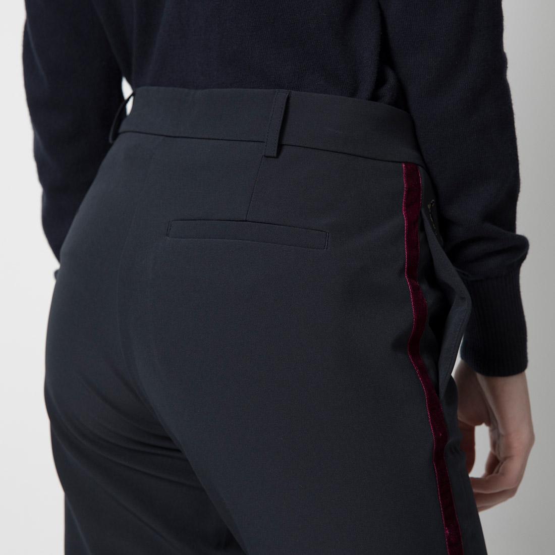 Damen 7/8 Golfhose mit 4-Way-Stretch Funktion und modischer Passform