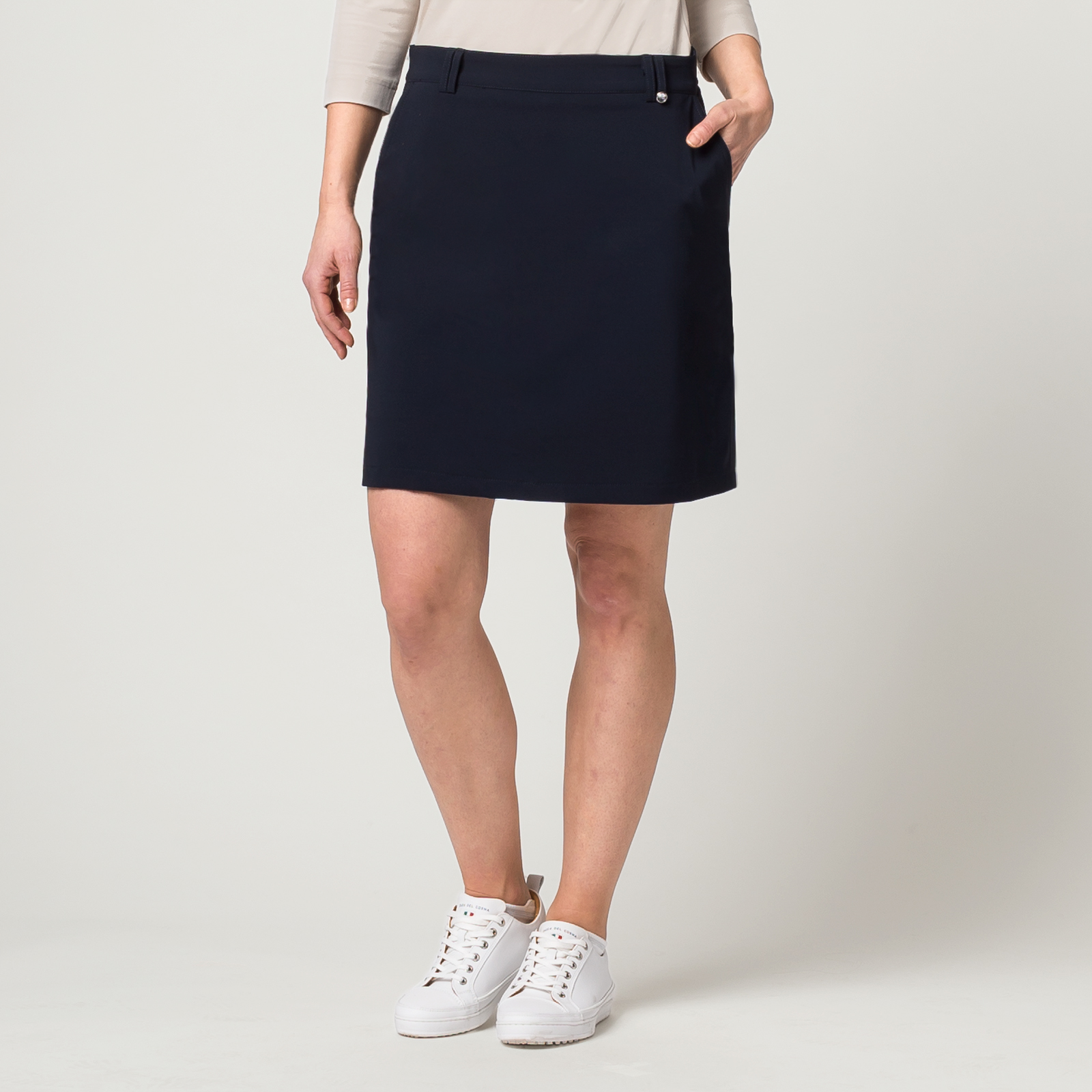 Damen Golfskort aus wasserabweisendem Stretch-Material