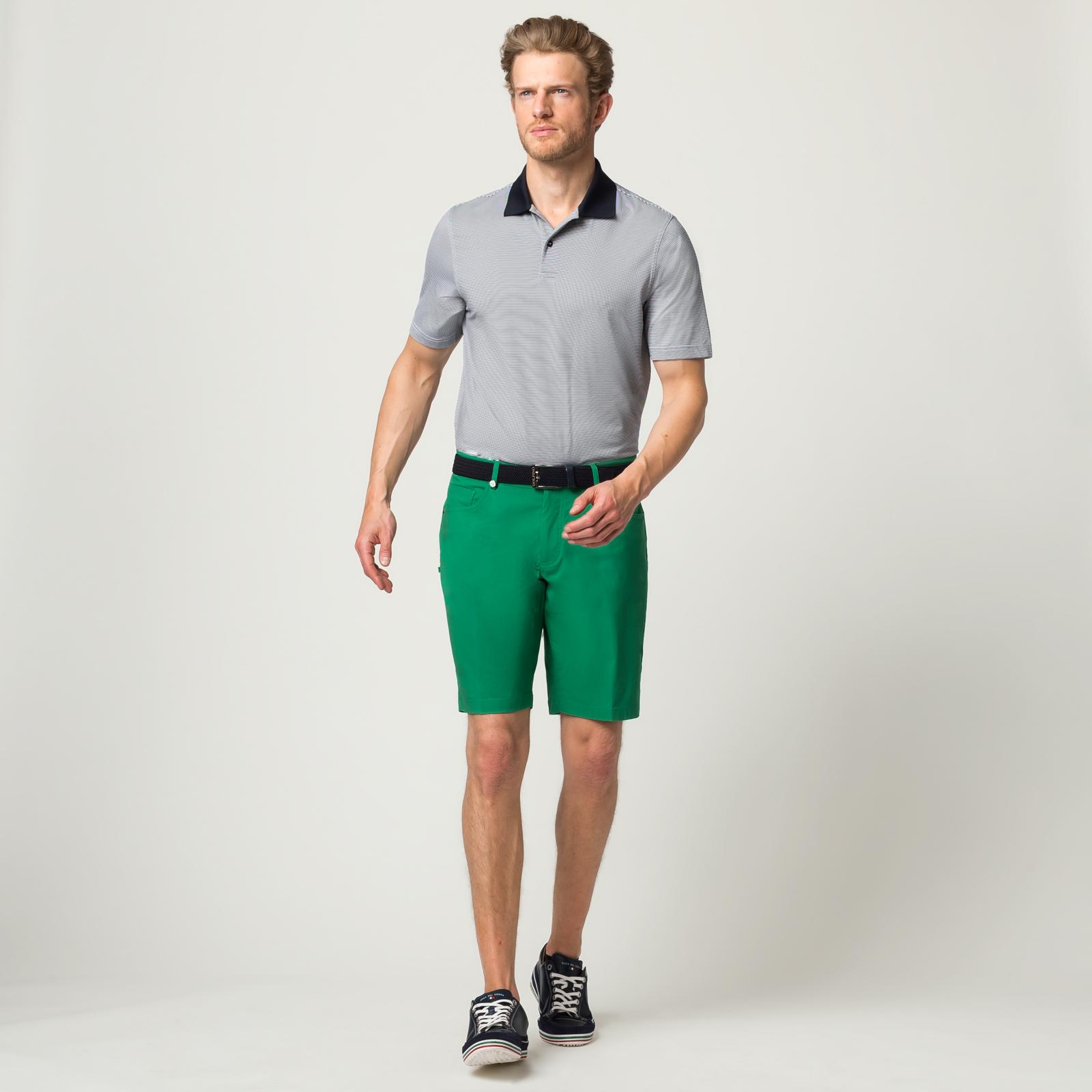 Herren Golf Bermuda aus Stretch-Material mit Sonnenschutz-Funktion